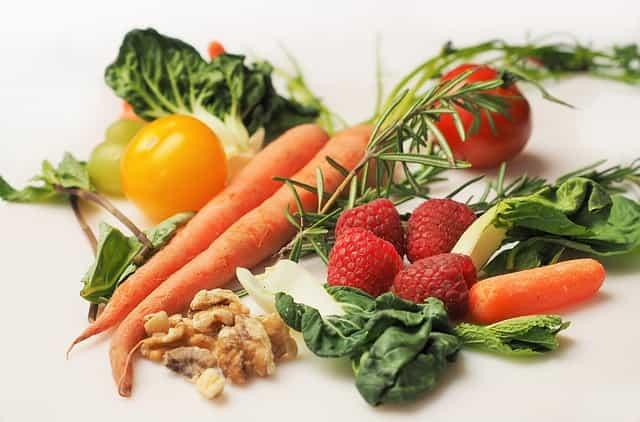 野菜や果物は健康的というイメージの盲点。ビタミン・ミネラルに注目しすぎる事で気付かれない糖質の害